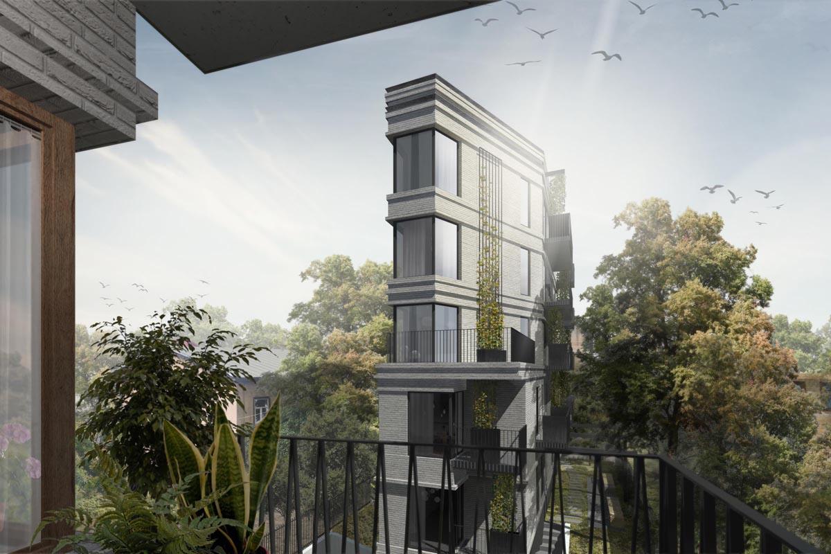 Vizualizācija skatam no balkona uz Rīgas centra pagalma ķieģeļu ēku ar stūra balkonu akcentiem un vīteņaugiem